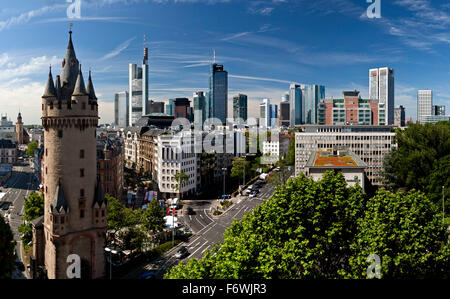 Skyline von Frankfurt mit skyscrapers and the Eschenheimer Tower, Frankfurt, Hesse, Germany - Stock Photo