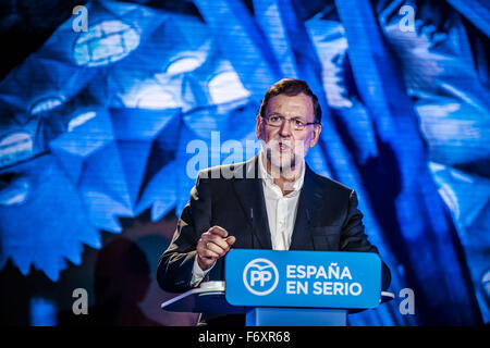 Barcelona, Catalonia, Spain. 21st Nov, 2015. Spanish Prime Minister and PP's president MARIANO RAJOY addresses the - Stock Photo