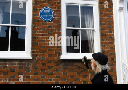 Great Bardfield, UK.21st November 2015.The artist Mr Richard Bawden unveils a blue plaque on Brick House.  The plaque - Stock Photo