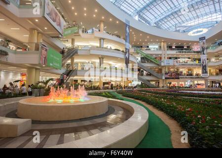 Interior shopping center centro comercial vasco da gama - Centro comercial illa ...
