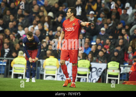 Madrid, Spain. 21st Nov, 2015. Claudio Bravo (goalkeeper, F.C. Barcelona) in action during La Liga match between - Stock Photo