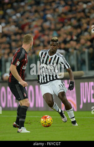 Turin, Italy. 21st Nov, 2015. Serie A Football. Juventus versus AC Milan. Paul Pogba on the ball Credit:  Action - Stock Photo