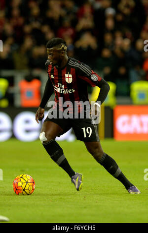 Turin, Italy. 21st Nov, 2015. Serie A Football. Juventus versus AC Milan. M'Baye Niang on the ball Credit:  Action - Stock Photo