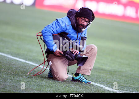 Udine, Italy. 22nd November, 2015. A cameraman during the Italian Serie A football match between Udinese Calcio - Stock Photo