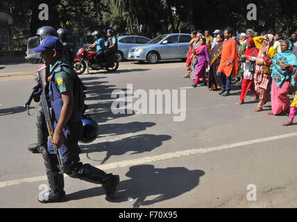 Dhaka, Bangladesh. 23rd Nov, 2015. Bangladeshi activists attend a rally against a countrywide strike enforced by - Stock Photo