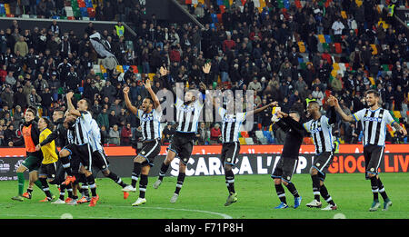 Udine, Italy. 22nd November, 2015. Udinese's players celebrating the victory during the Italian Serie A TIM football - Stock Photo