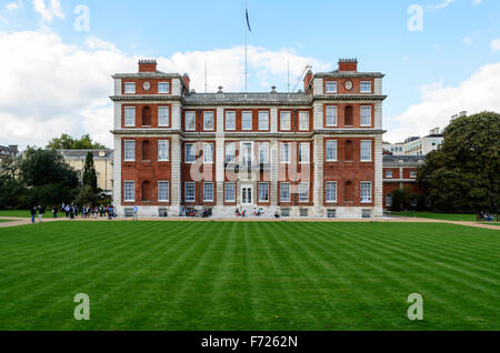 Marlborough House, the home of the Commonwealth Secretariat, Westminster, London, England, UK. - Stock Photo
