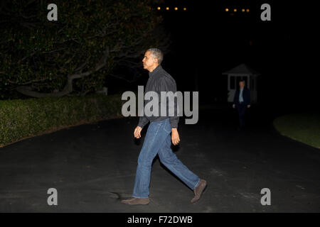 Washington, DC, USA. 23rd Nov, 2015. United States President Barack Obama walks towards the White House after arriving - Stock Photo