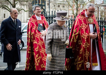 London, UK. 24th November, 2015. The Queen and Duke of Edinburgh arrive for the Tenth General Synod at Westminster - Stock Photo