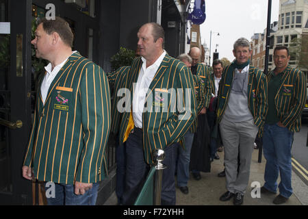 The South African rugby team, who won the World Cup in 1995, arrive at Chicago Rib Shack in London to treat fans - Stock Photo