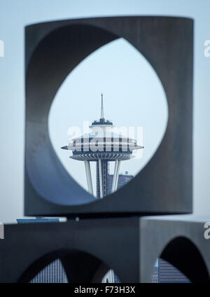 Seattle, Washington, USA. 20th Nov, 2015. Seattle's Space Needle can be seen through a set opening in a 1971 Doris - Stock Photo