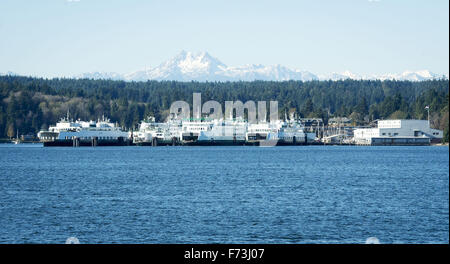 Seattle, Washington, USA. 21st Nov, 2015. The Washington State Ferry system, operating under the Department of Transportation, - Stock Photo