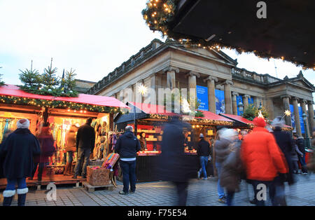Edinburgh Christmas market, by the National Gallery on the Mound, in Scotland, UK - Stock Photo