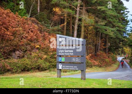 Llyn Sarnau sign by carpark on country lane in Gwydyr Forest Park in Snowdonia National Park. Trefriw Conwy Wales - Stock Photo
