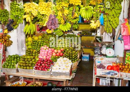 Sri Lanka - Kandy, fresh fruit shop - Stock Photo