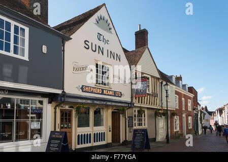 17th Century The Sun Inn, West Street, Faversham, Kent, England, United Kingdom - Stock Photo