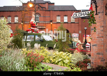 Oldham, Manchester, UK  Christmas decorations central precinct, & Town square. - Stock Photo