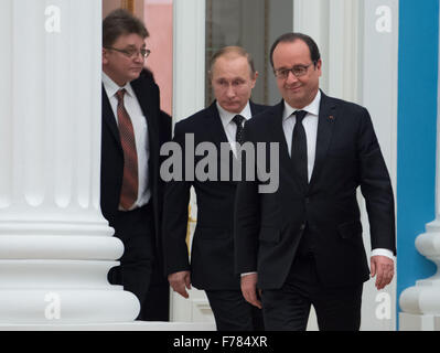 Moscow, Russia. 26th Nov, 2015. Russian President Vladimir Putin (2nd R) and his French counterpart Francois Hollande - Stock Photo