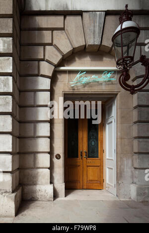 Keepers House, Royal Academy, London. Entrance with Tracy Emin Neon. Reads ' Keep me Safe'. - Stock Photo
