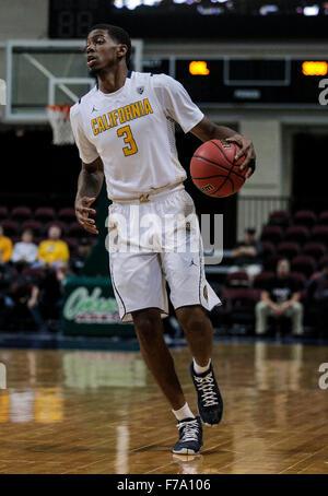 Las Vegas, Nevada, USA. 26th Nov, 2015. California G # 3 Tryone Wallace hit 16 points during NCAA Men's Basketball - Stock Photo