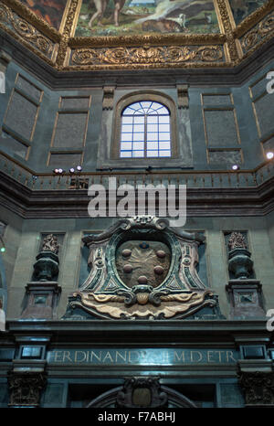 Grand Duke Ferdinando I tomb with Medici coat of arms above in the chapel of princes - Stock Photo