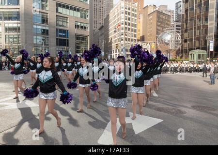 New York, NY USA - November 26, 2015: Atmosphere at the 89th Annual Macy's Thanksgiving Day Parade on Columbus Circle - Stock Photo