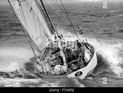 AJAXNETPHOTO. 1974. PORTSMOUTH, ENGLAND. - WHITBREAD RACE 1973/1974 -  33 EXPORT (FRA) NEARS THE FINISH LINE AT - Stock Photo