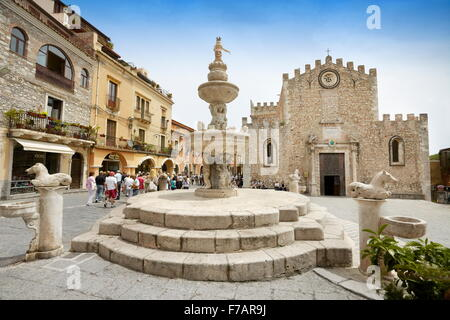 Cathedral of San Nicola and baroque fountain, Corso Umberto, Taormina old town, Sicily, Italy - Stock Photo