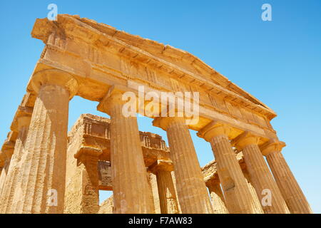 Temple of Concordia, Valley of Temples (Valle dei Templi), Agrigento, Sicily, Italy UNESCO - Stock Photo