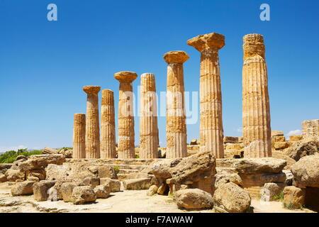Valley of Temples (Valle dei Templi), Temple of Hercules (Tempio di Eracle) Agrigento, Sicily, Italy UNESCO - Stock Photo