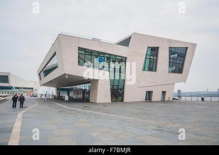Liverpool's Pier Head ferry terminal, Mann Island, Liverpool, England, UK. PHILLIP ROBERTS - Stock Photo
