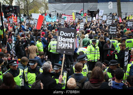 London, UK. 28th November, 2015. 28/11/2015 Anti war protest in near  Downing street ,London against governments - Stock Photo
