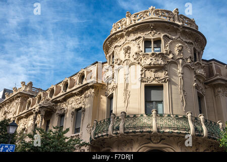 The Art Nouveau Palacio Longora, architect Jose Grases Riera, built 1902-4, Calle de Fernando VI, Alonso Martinez, - Stock Photo