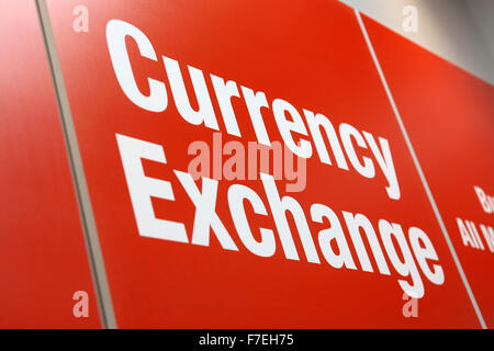 No 1 Currency Exchange shop , Crompton Place Shopping Centre , Bolton. - Stock Photo