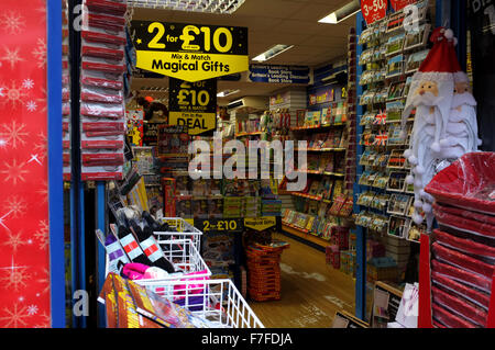 the works discount books shop in high street canterbury kent uk november 2015 - Stock Photo