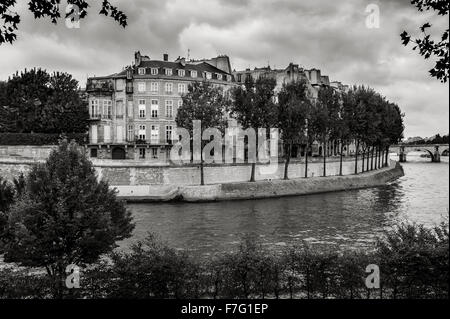 Black & White view of the Quai d'Anjou on Ile Saint Louis and River Seine, in the 4th arrondissment of Paris, France - Stock Photo