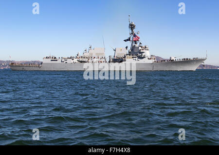 The Arleigh Burke-class guided missile destroyer USS Stockdale (DDG-106) onSan Francisco Bay. - Stock Photo