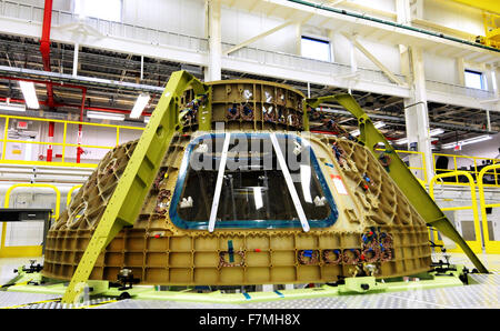 Kennedy Space Center, Florida, USA. 1st December, 2015. The upper dome of the crew module for Boeing's CST-100 Starliner - Stock Photo