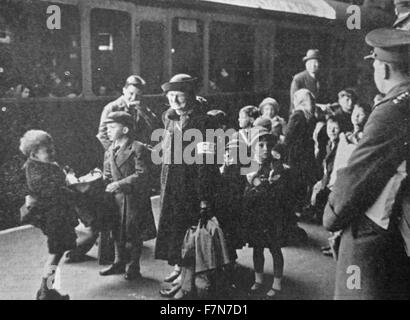 Shortly after the outbreak of World war Two, children were evacuated from cities thought to be liable to attack. - Stock Photo