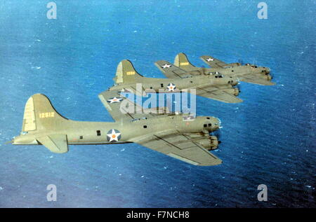 US Air Force B-17E Flying Fortress bombers in flight, USA World War two - Stock Photo
