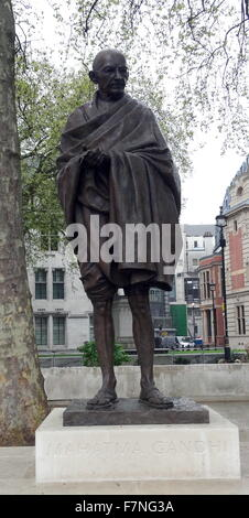 Bronze statue of Mahatma Gandhi (1869-1930) leader of Indian independence movement in British-ruled India. Employing - Stock Photo