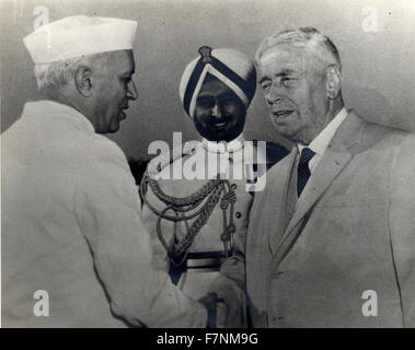 New Zealand prime Minister Walter Nash meets India's Prime Minister Jawaharlal Nehru 1960 - Stock Photo