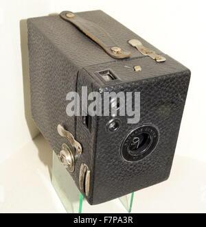 Kodak Box Brownie Junior 2 Camera, Roll film camera Made in England circa 1935 - Stock Photo