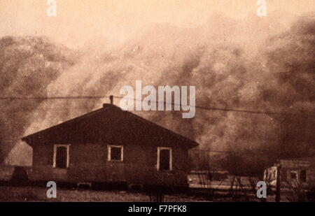 Photograph of a dust storm in Kansas. Dated 1935 - Stock Photo