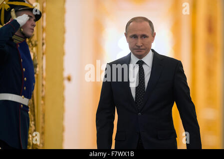 Moscow, Russia. 3rd Dec, 2015. Russian President Vladimir Putin walks into the hall to deliver the annual State - Stock Photo