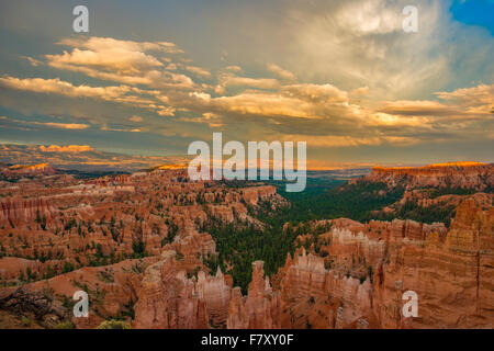 Sunset Point view, Bryce Canyon National Park, Utah, Wasatch limestone pinnacles - Stock Photo