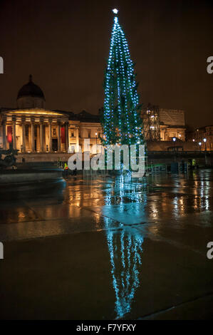 London, UK. 3 December 2015. The newly lit Christmas tree in Stock ...