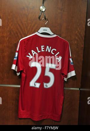 Antonio Valencia 25 shirt in MUFC dressing room, Old Trafford - Stock Photo