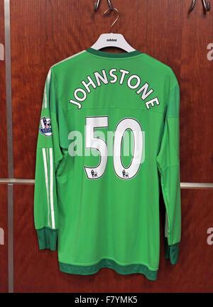 Samuel Luke 'Sam' Johnstone green shirt in MUFC dressing room, Old Trafford - Stock Photo