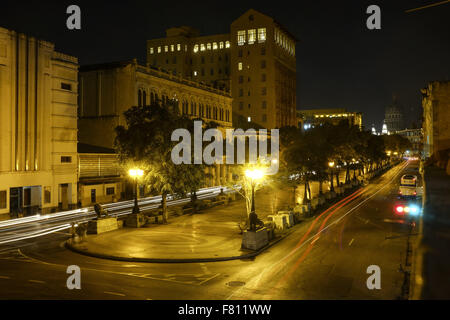 Havana, Cuba. 29th Oct, 2015. The Paseo del Prado and El Capitolio, or National Capitol Building is seen at night - Stock Photo